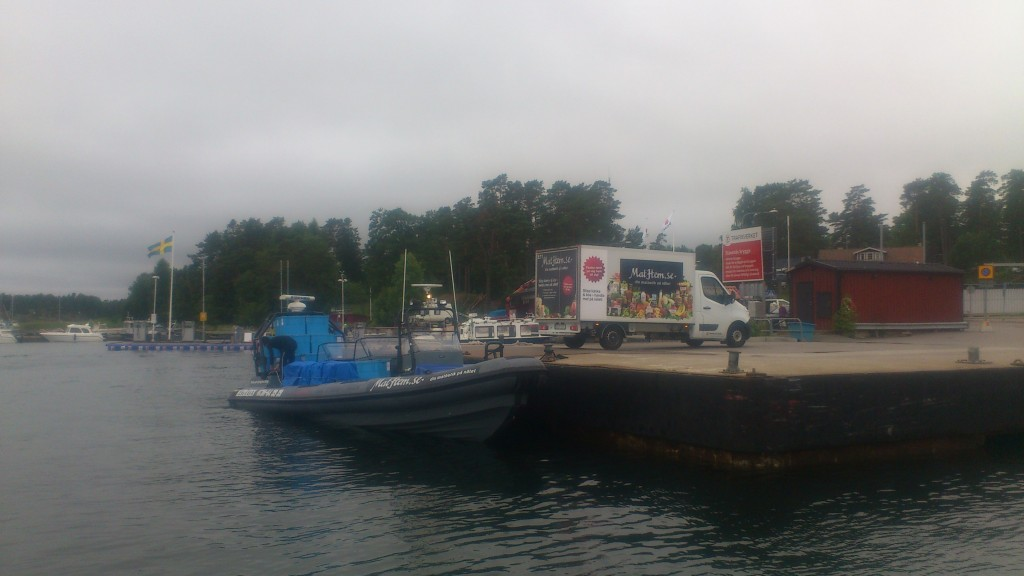 Home delivery of food to island in the Stockholm archipelago